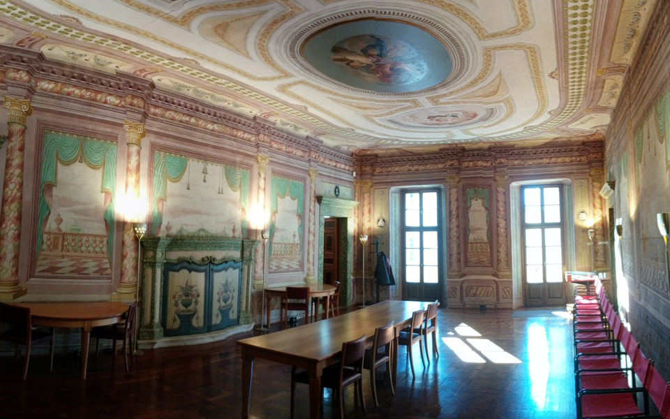 A historic site, very refined and finely frescoed with a terrace on the main square