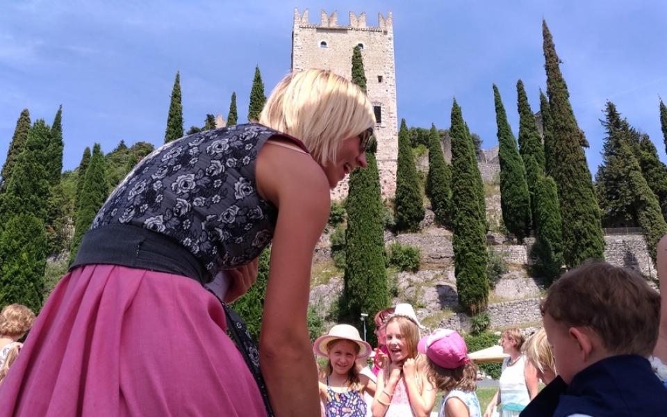 Per i bimbi il castello si trasforma in una magica favola..