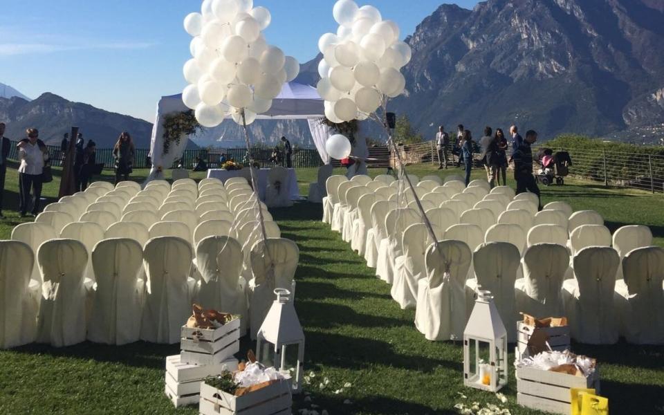 Il nostro Wedding set con 100 sedie in